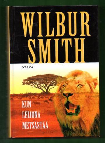 Kun leijona metsästää